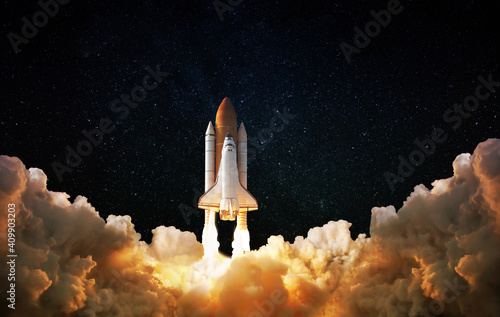 Photo Launch of Space,Spaceship takes off into the night sky
