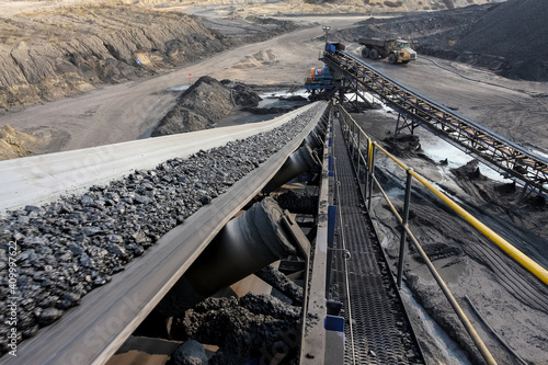 Fotografia Conveyor belt for processing coal ore