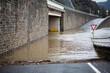 Überflutete Straße bei Hochwasser