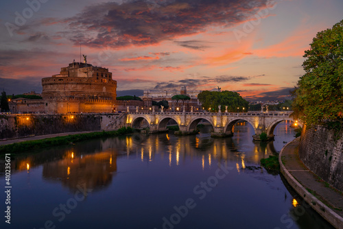 Fototapeta Night view of Castle Sant Angelo (Mausoleum of Hadrian), bridge Sant Angelo and river Tiber in Roma