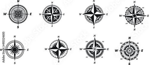 Obraz na plátně various vintage marine compasses set