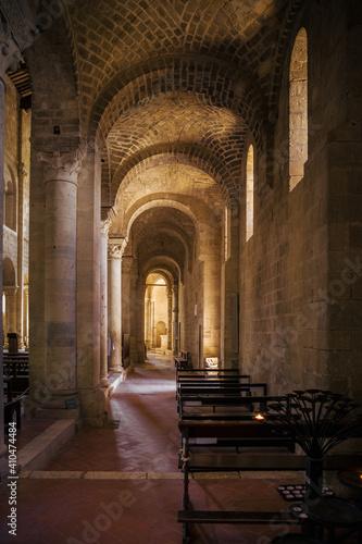 Interior of Sant'Antimo Abbey, Montalcino, Tuscany, Italy - fototapety na wymiar