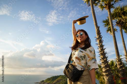 Obraz na plátně Travelers at Phromthep cape viewpoint at the south of Phuket Island, Thailand