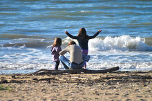 Momento Di Svago E Relax In Famiglia Al Mare