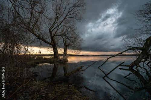 Tableau sur Toile Caspar David Friedrich style atmosspheric picture of a meadow landscape at winte