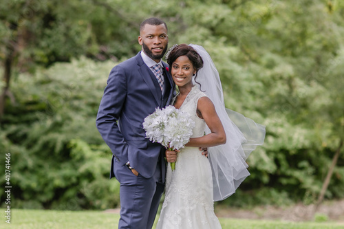 Canvas-taulu African Bride and Groom