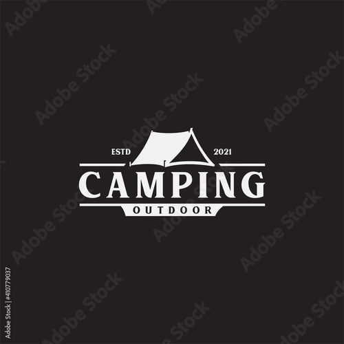 Papel de parede Vintage camping and outdoor adventure emblems, logos and badges