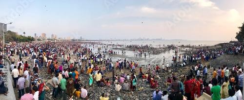 Fototapeta premium High Angle View Of Crowd At Beach