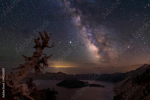 Slika na platnu Milky Way over Crater Lake Oregon