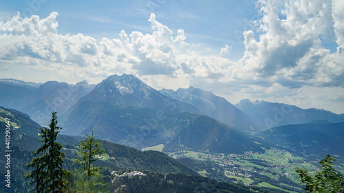 Photo Scenic View Of Mountains Against Sky