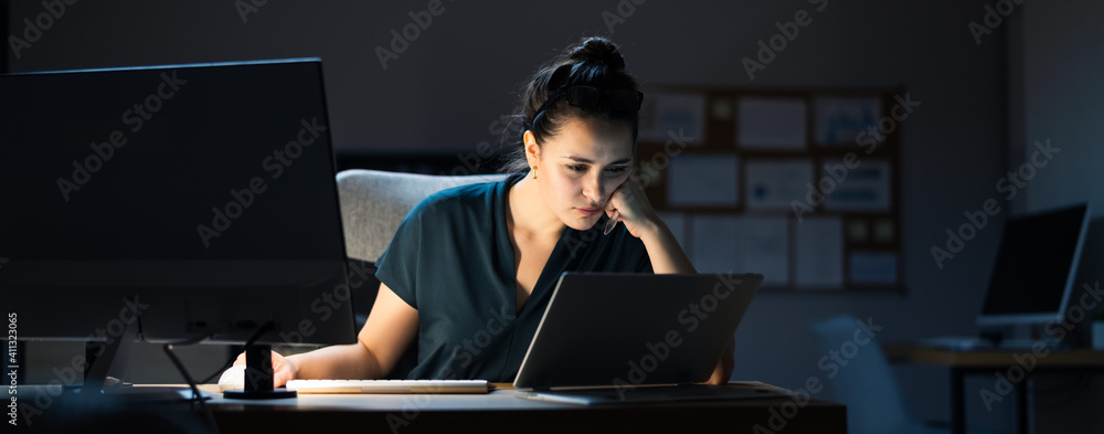 Fototapeta Late Night Workaholic Busy Business Woman