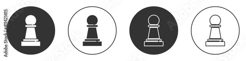 Fotomural Black Chess icon isolated on white background