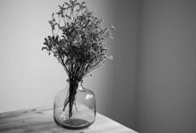 Ramo De Flores Secas En Un Jarron Decoracion
