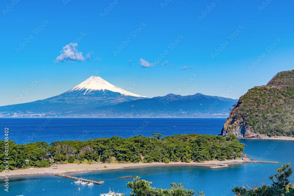Fototapeta 静岡県沼津市戸田 御浜岬と富士山