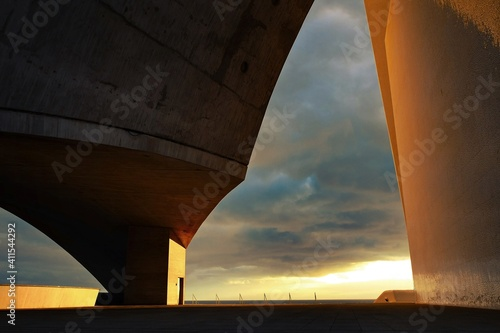 Carta da parati Low Angle View Of Bridge Against Sky During Sunset