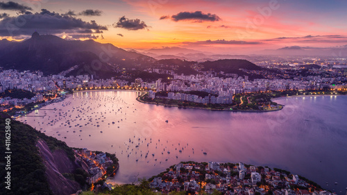 Obraz sunset over Rio - fototapety do salonu