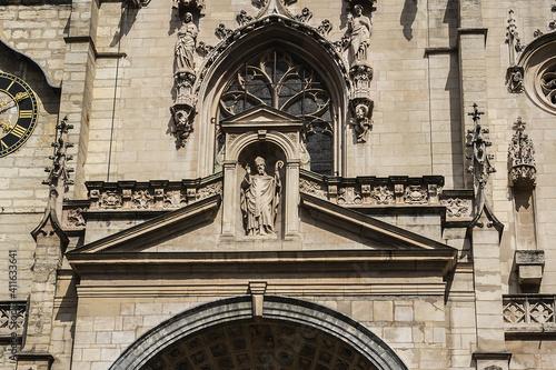 Fotomural The Church of Saint-Nizier (Eglise Saint-Nizier, 16th century) - church in Presqu'ile district of Lyon