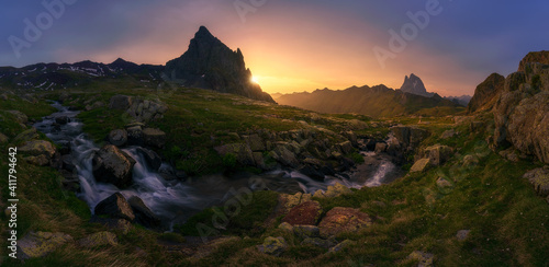 Canvas Print Scenic View Of Rocky Mountains Against Sky During Sunset