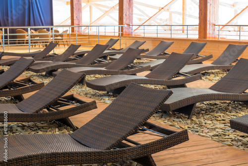 Fotografering deck chairs in relaxation room