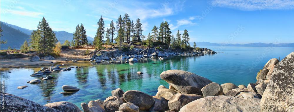 Fototapeta Beautiful clear water at Sand Harbor Lake Tahoe