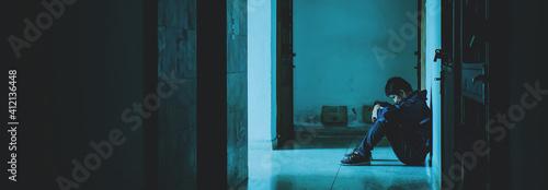 Photographie Full Length Of Sad Man Sitting On Floor