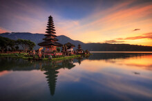 Pura Ulun Danu Bratan, Famous Hindu Temple And Tourist Attraction In Bali, Indonesia. Come In Early Morning To Have Beautiful Sunrise View