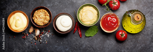 Photo Set of various sauces. Popular sauces in bowls