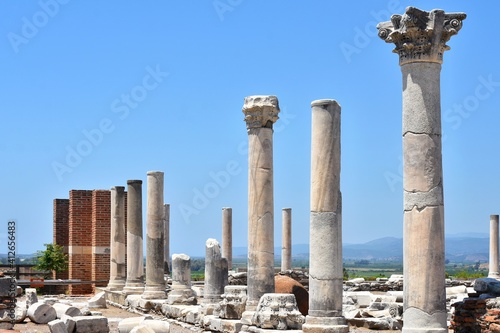 Fotomural Beautiful view on ancient Ayasuluk Castle with destroyed medieval buildings, Selcuk, Ephesus, Turkey