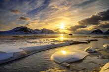 Coucher De Soleil Aux Lofoten