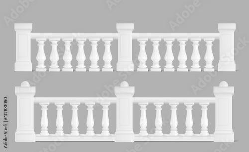 Fotografía Marble balustrade, balcony railing or handrails.