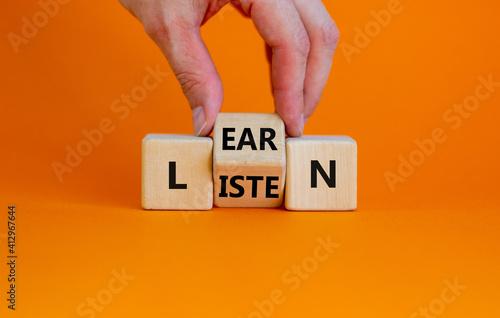 Obraz na plátně Listen and learn symbol
