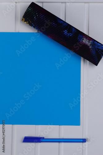 Obraz Kartka niebieska arkusz długopis - fototapety do salonu