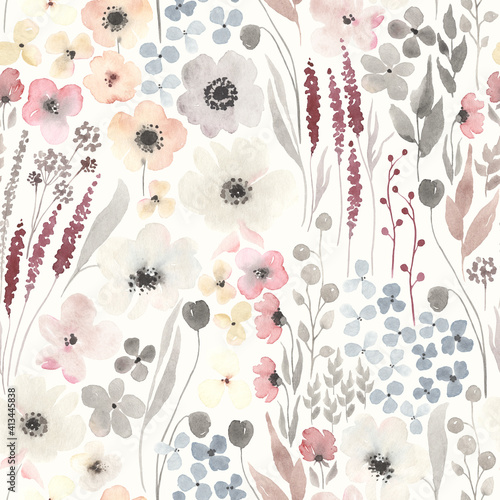 Tapety Prowansalskie  kwiatowy-wzor-z-streszczenie-kwiaty-na-tle-kosci-sloniowej-akwarela-ilustracja-kwitnaca-laka-w-stylu-rustykalnym-vintage