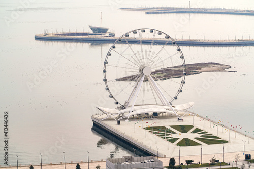 Ferris wheel on the boulevard, Baku city, Azerbaijan Fotobehang