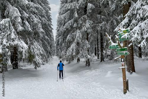 Langlauf im verschneiten Thüringer Wald © Henry Czauderna