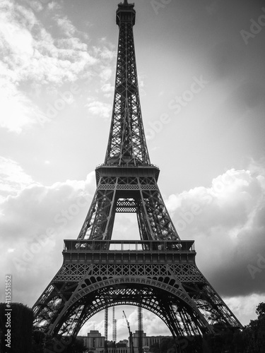 Fototapety, obrazy: Low Angle View Of Eiffel Tower Against Cloudy Sky