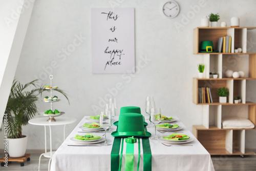 Obraz na plátně Table set for St. Patrick's Day celebration