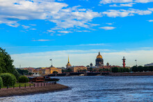 Cityscape Of St. Petersburg, Russia. View Of The Neva River, Palace Bridge, St. Isaac Cathedral, The Admiralty And Spit Of Vasilyevsky Island With Rostral Columns In Saint Petersburg, Russia