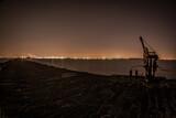 miasto noc  krajobraz  morze molo