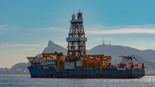 Guanabara Bay, Rio De Janeiro, Brazil - CIRCA 2021: Oil Exploration Platform Stopped At Guanabara Bay, Which Is Part Of The Santos Basin, Serves As Access To The Campos Basin And Is An Active Field