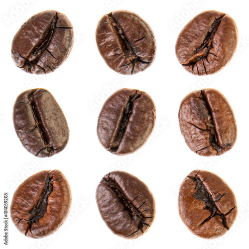 Foto Coffee beans isolated on white background