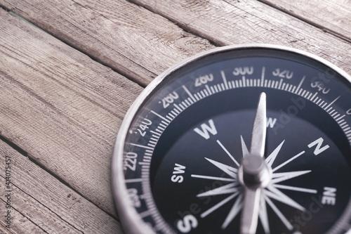 Fototapeta Brass antique compass  on background obraz