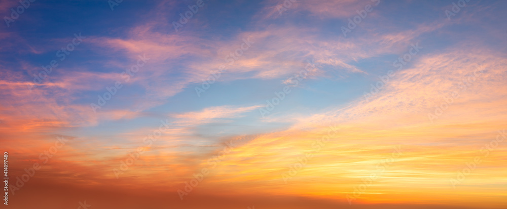 Fototapeta Real panoramic sunrise sundown sunset sky with gentle colorful clouds