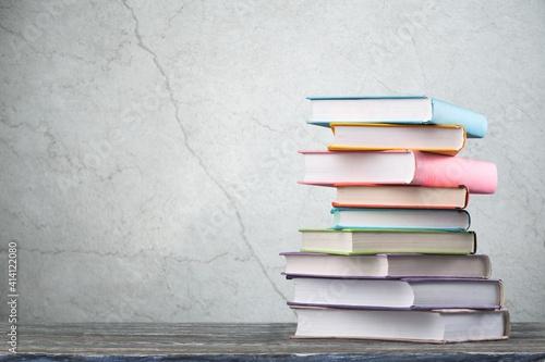 Tela Book.