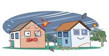 暴風の中で窓が壊れる家と、シャッターがあることで無事な家