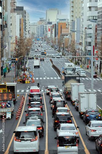 Fotografering 朝の名古屋市の通勤道路の車の渋滞の様子