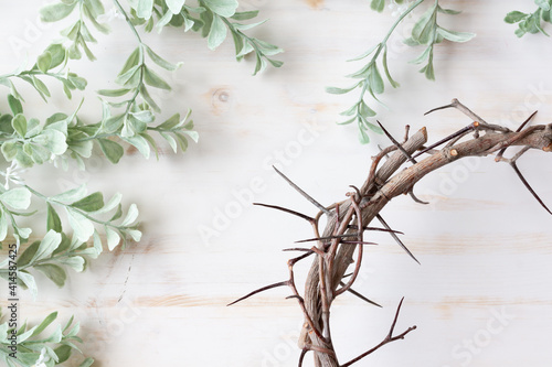 Fotografia Christian Crown of thorns and sprigs of greens