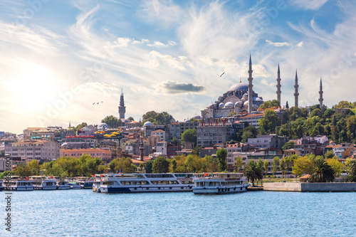 Fototapeta The Suleymaniye Mosque in the Golden Horn inlet, Istanbul