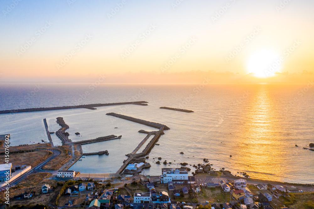 Fototapeta 冬の銚子港の日の出(千葉県銚子市)