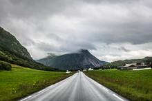 Long Straight Road, Kystriksveien Coastal Road